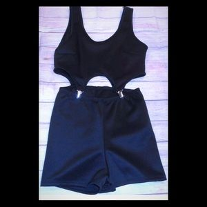 Forever 21 black cut out jumper shorts club sz s